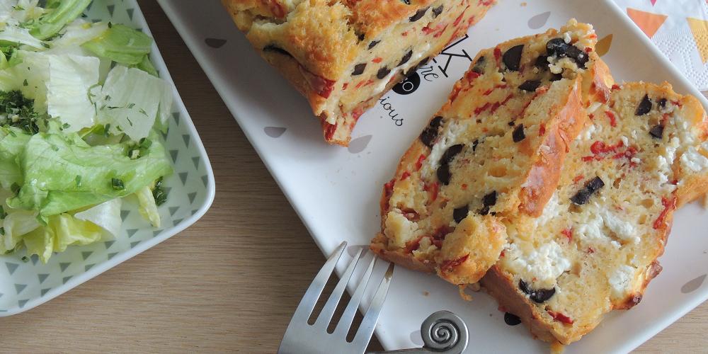 Cake olives, poivron et feta de Lili Joy