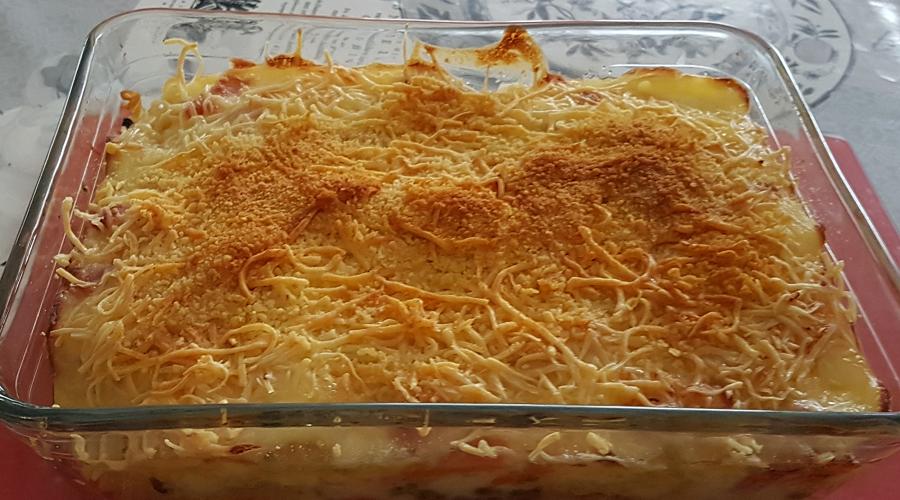 Gratins de pâtes aux légumes et lardons