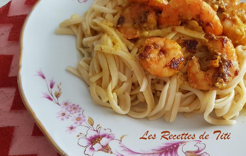Spaghettis plats et crevettes à la crème de curry