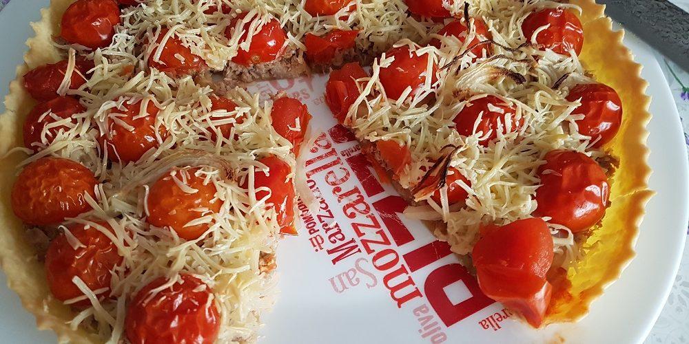 Tarte au thon et aux tomates cerises