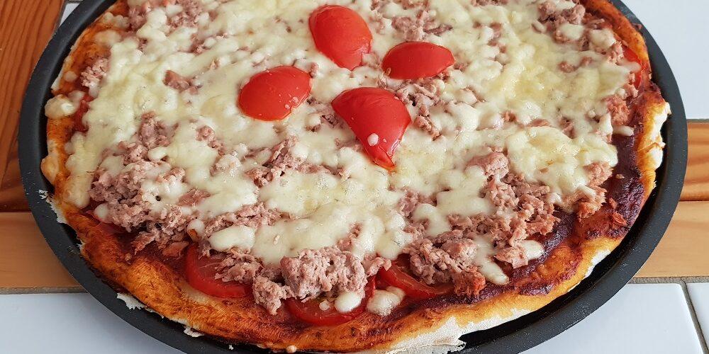 Pizza tomates et thon